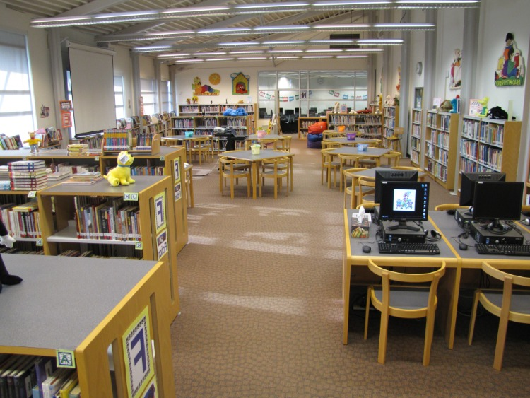media technology in school library for student